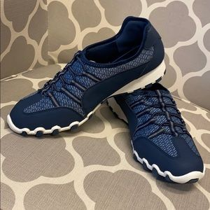 Comfortview Tory Elastic Lace Sneaker in Navy NWT